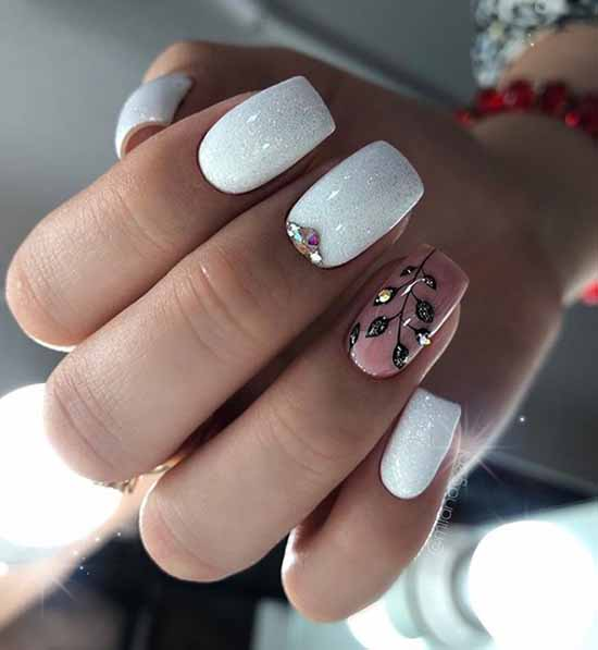 Nail design with rhinestones 2021: photos, exquisite novelties