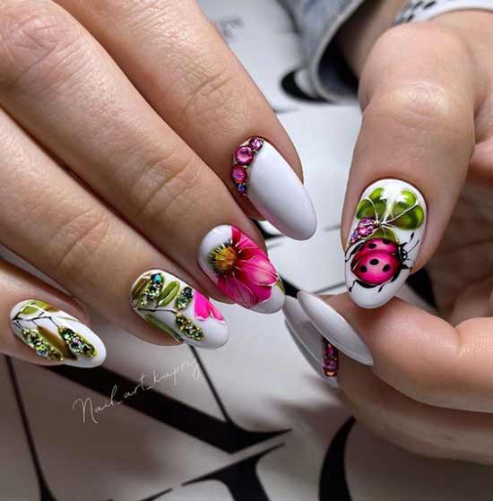 Summer nail design with rhinestones