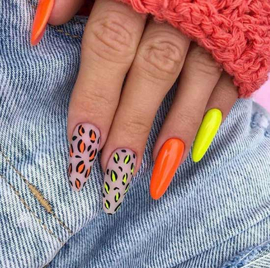 Summer design on ballerina nails