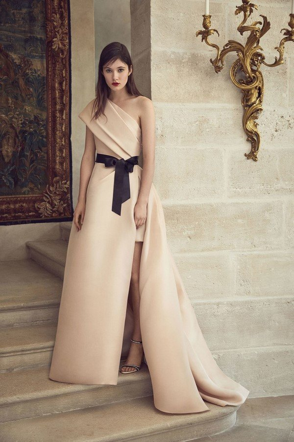 Hot TOP trends of dresses to the floor.  The most delicious options