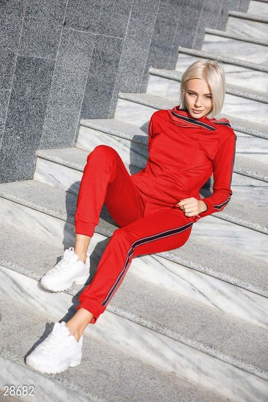 Comfortable and stylish sportswear and stunning sports looks