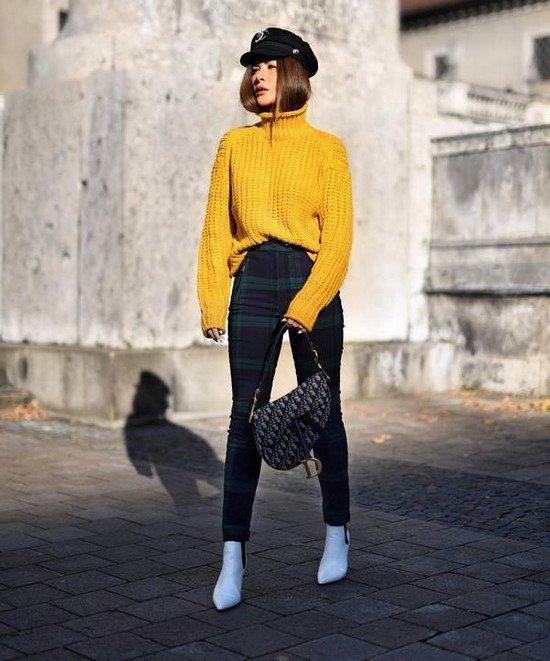 Extraordinary street fashion.  Photos of stylish looks in street style