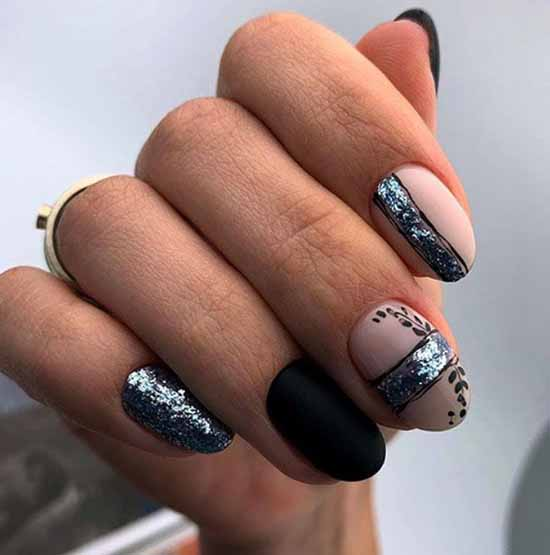 Black nails with foil