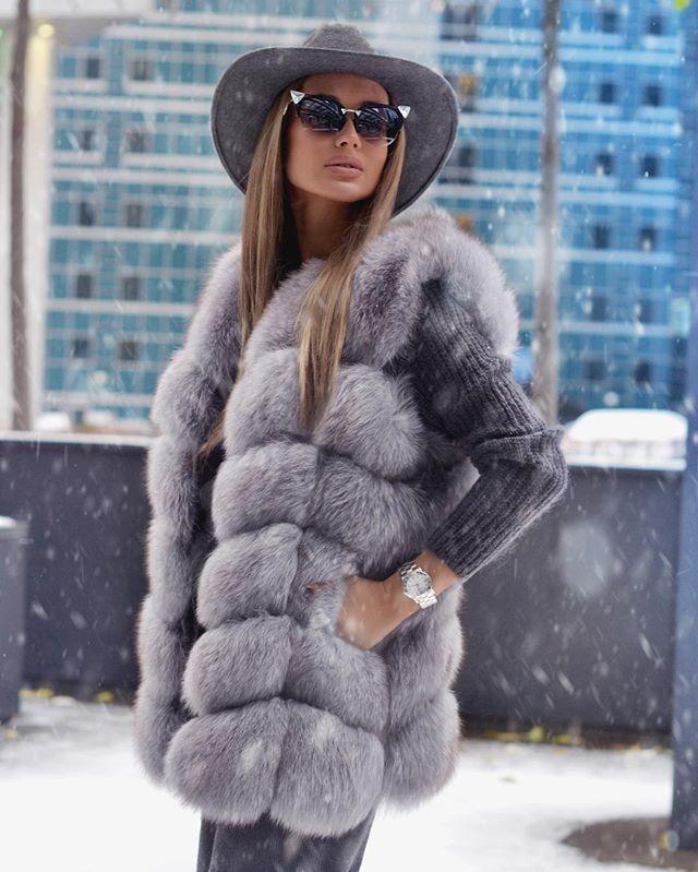 Удачный фасон! Модные меховые жилеты. Фото, новинки, идеи, с чем носить