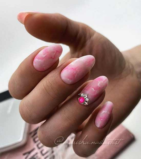 Nail design with rhinestones
