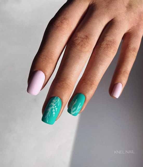Two-tone green manicure