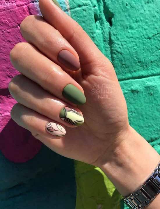 Green yellow manicure