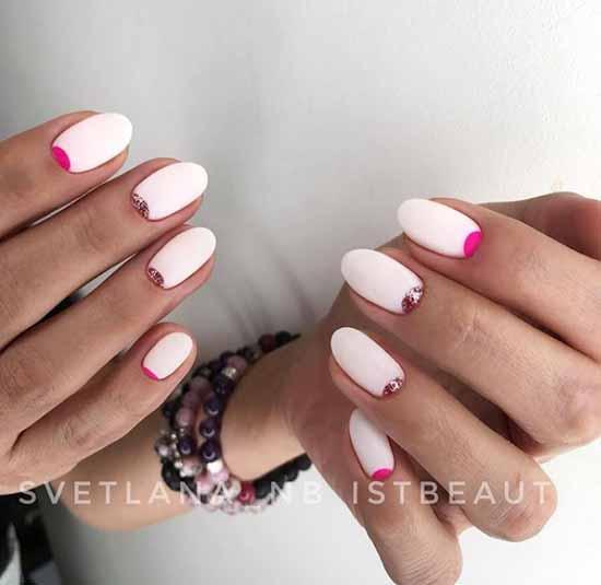 White moon glitter manicure