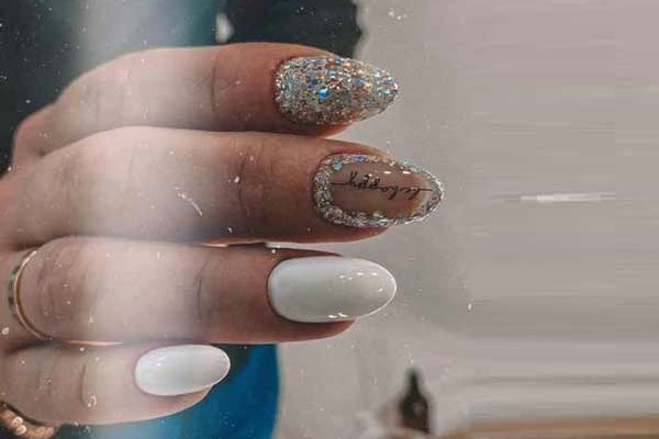 White glitter manicure for the new year