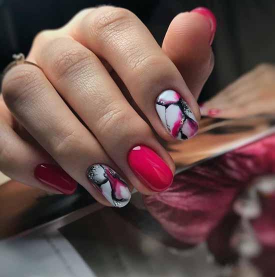 White glitter manicure: beautiful design in the photo, review