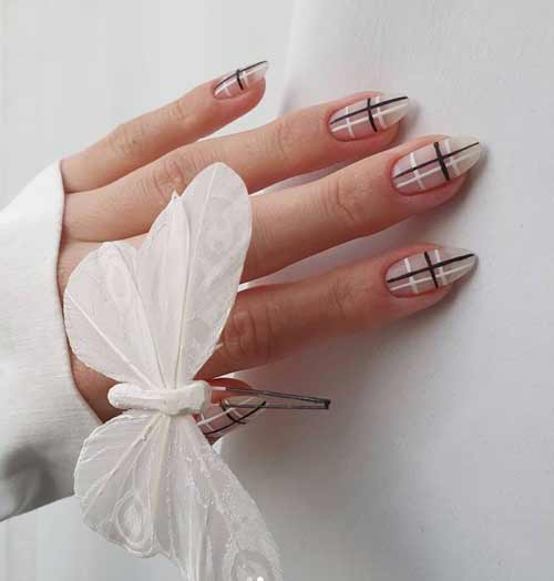 Brown and white cage in manicure trend