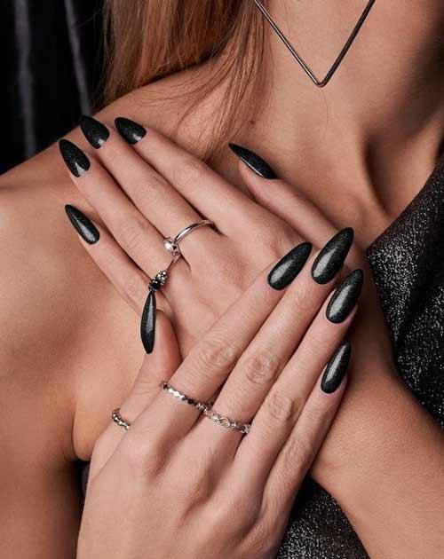Metallic effect manicure