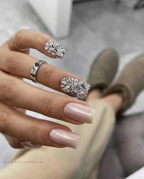 Rhinestone manicure trend 2021