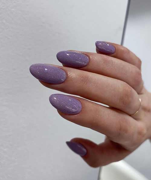 Shiny manicure trend 2021