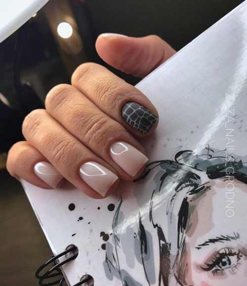 Contrast black manicure