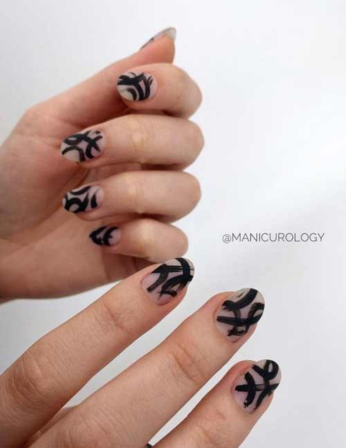 Black design short nails