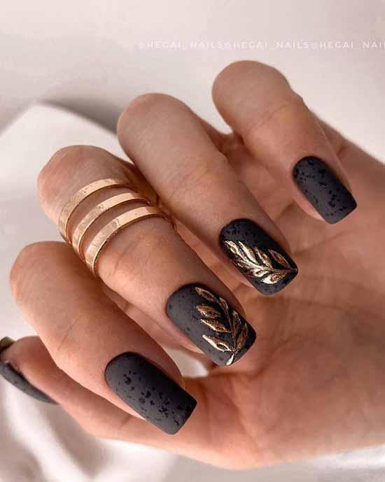 Plant print black nails