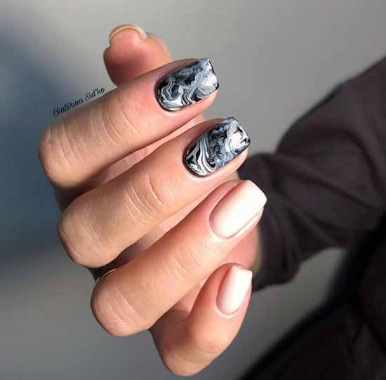 Fashionable black on nails