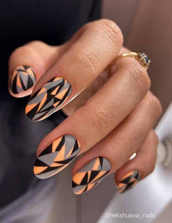 Black printed manicure