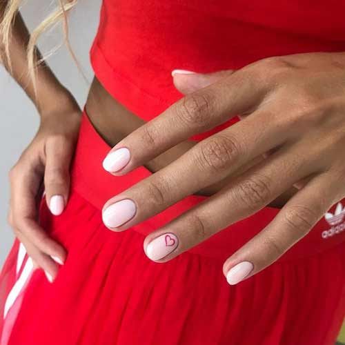 Contour heart manicure