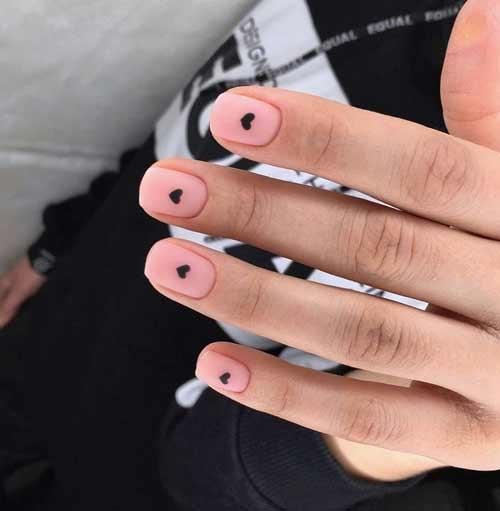 Manicure heart minimalism