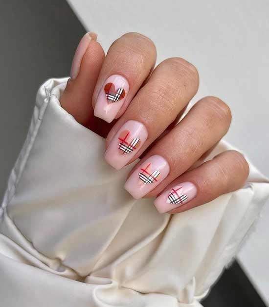 Heart Nails Plaid Design