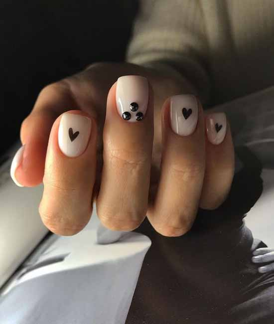 Manicure with a heart for Valentine's Day: photo 2021, design