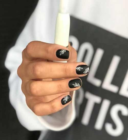 Short black and white nail art