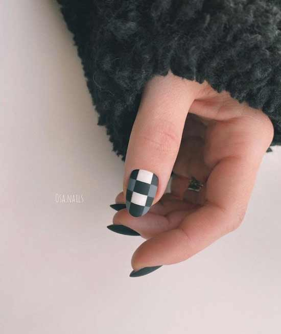 Manicure black and white cage