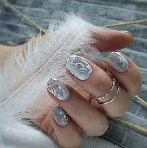 New Year's manicure design cat's eye