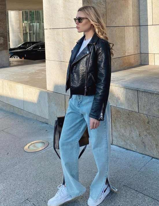 Fashionable jeans with slits