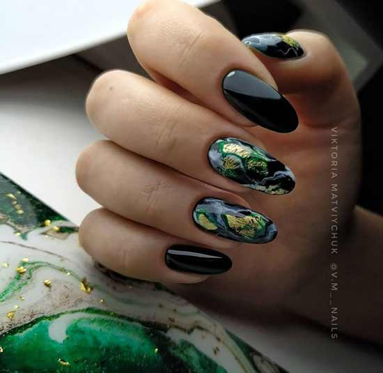 Marble black and green manicure