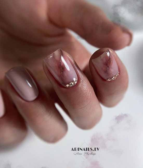 Marble design on two nails