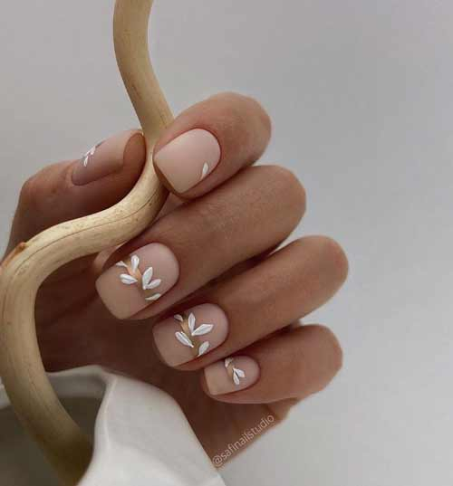 Fashionable spring manicure