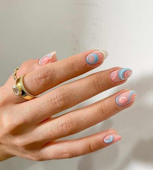 Fashionable short manicure