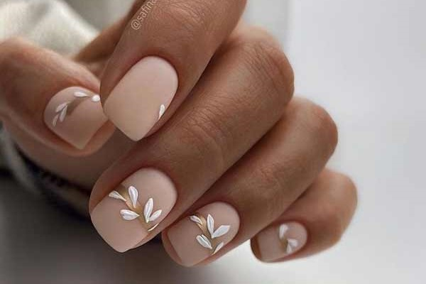 The most fashionable manicure spring