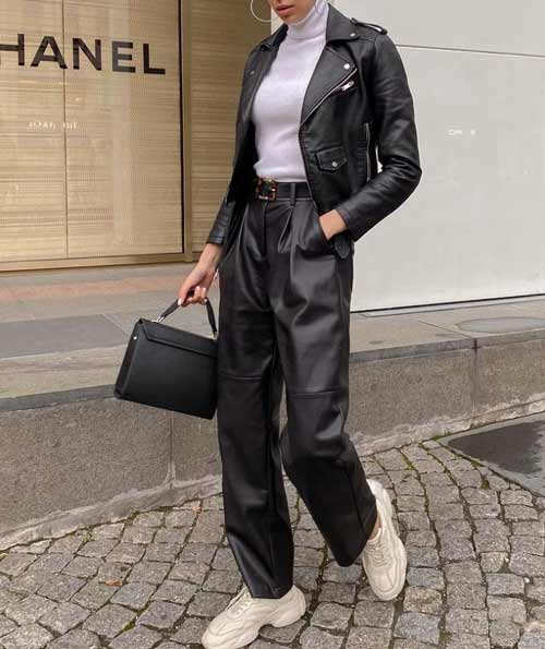 Look with wide leather pants