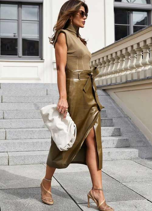 Fashionable wrap skirt with bow