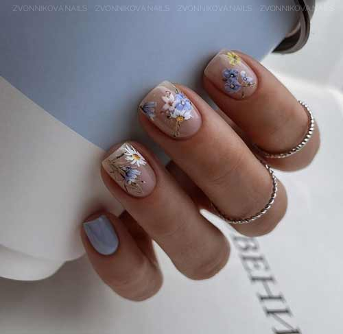 Manicure pastel with a pattern