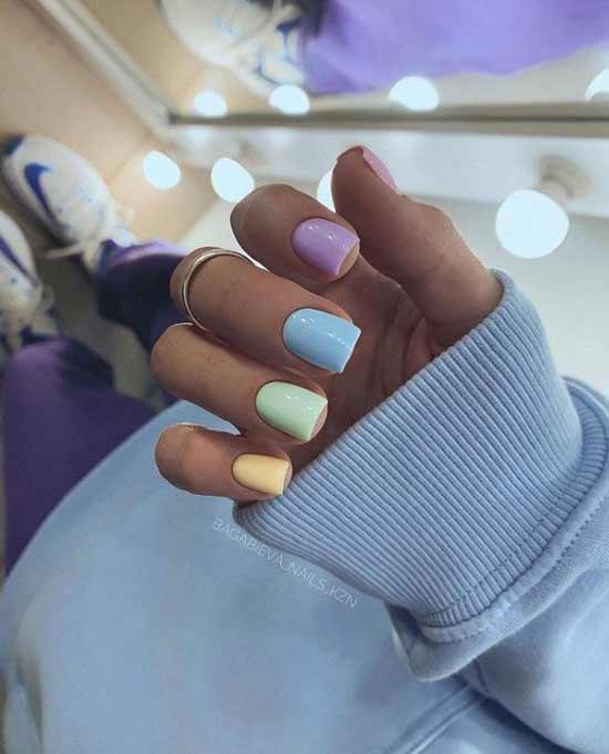 Multicolored pastel manicure