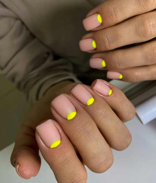 Manicure summer neon holes