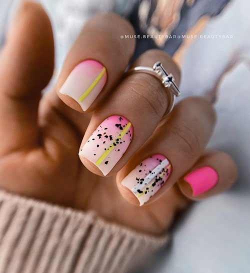 Fashionable short summer manicure
