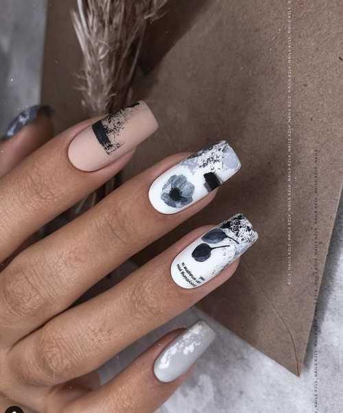 Gray-beige manicure