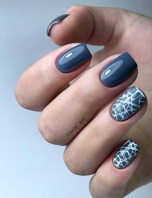 Dark gray short manicure