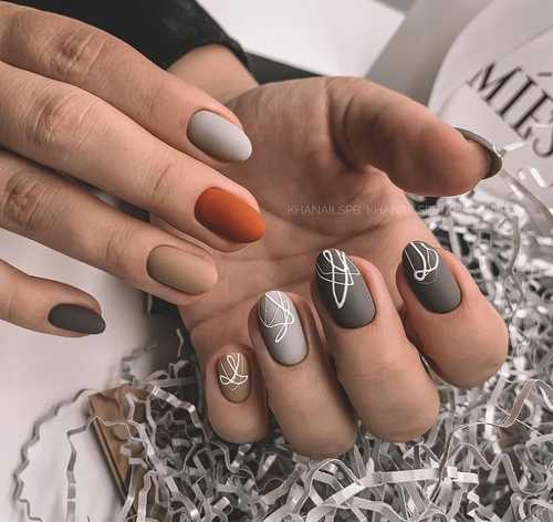 Gray-beige nails