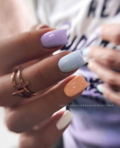 Multi-colored manicure with gray