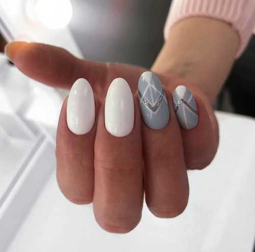 Gray with sequins and geometry manicure