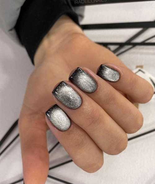 Gray cat eye manicure