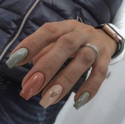 Photo of gray manicure