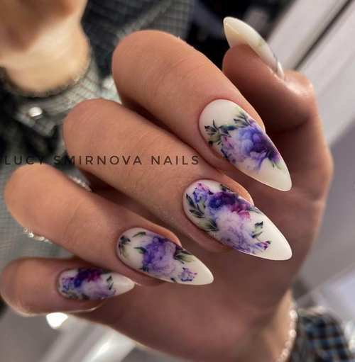 Long nails with spring designs